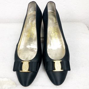 Rare 😍Salvatore Ferragamo satin heels w/ crystals